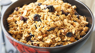 Fruit and Nut Granola (oil free, low Fat)