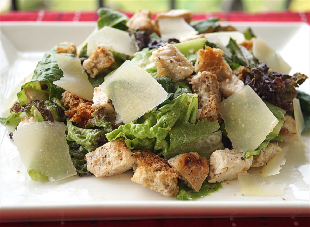 Low Calorie Chicken Caesar Salad – No Mayonnaise