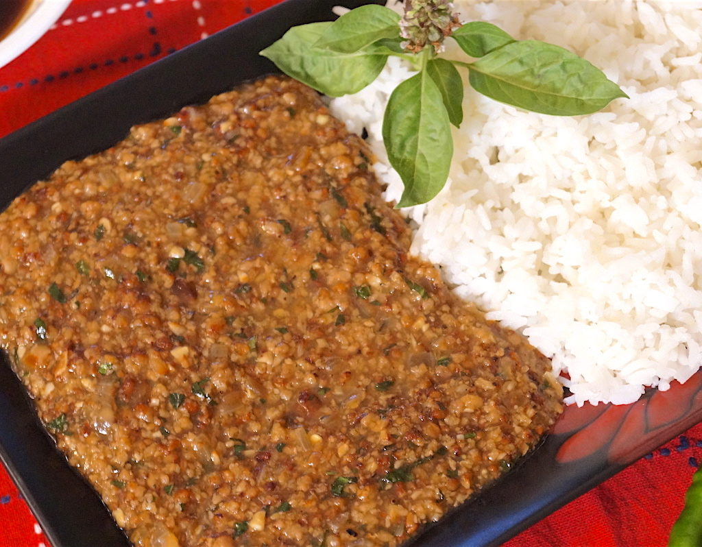 spicy lamb mince with basil and thai flavours